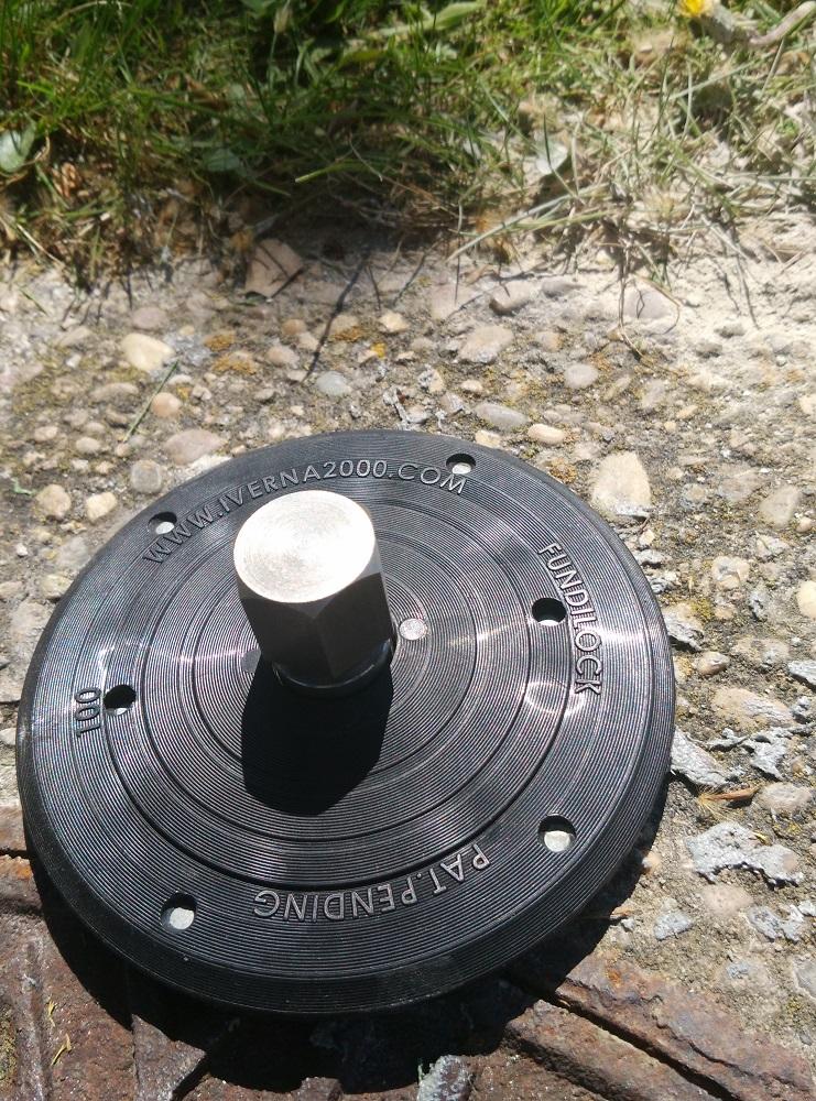 Fundilock antirrobo tapas de arquetas 3