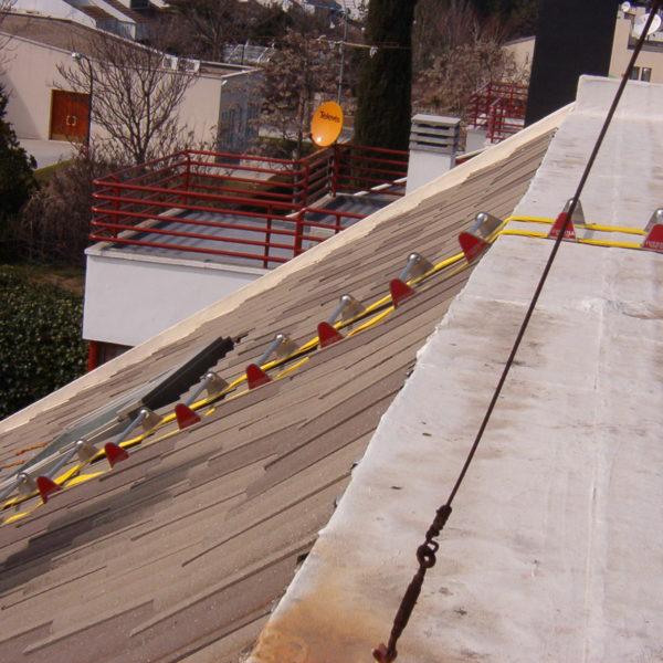 Escaleras de seguridad iverna 2000 s l for Escaleras plegables extensibles