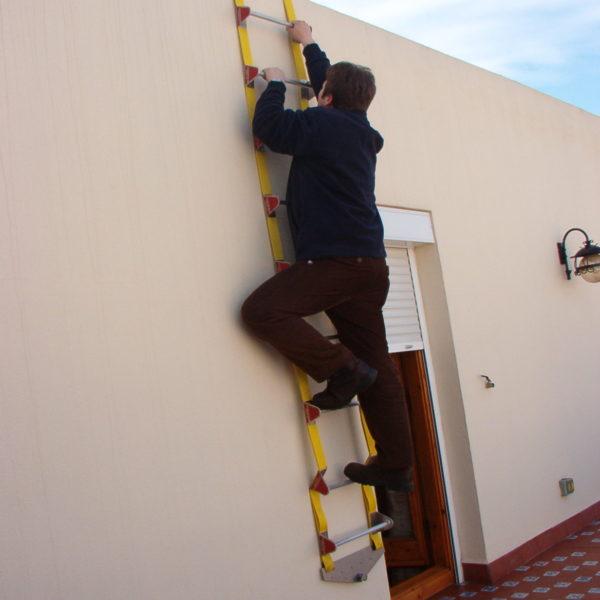escalera de emergencia plegable
