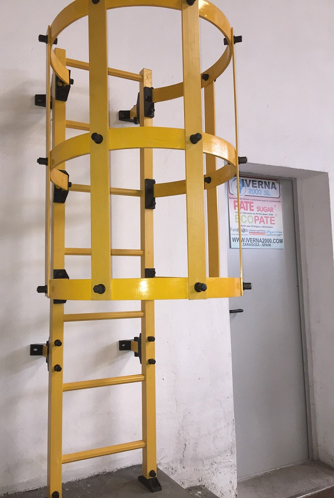 Escalera de gato GRP