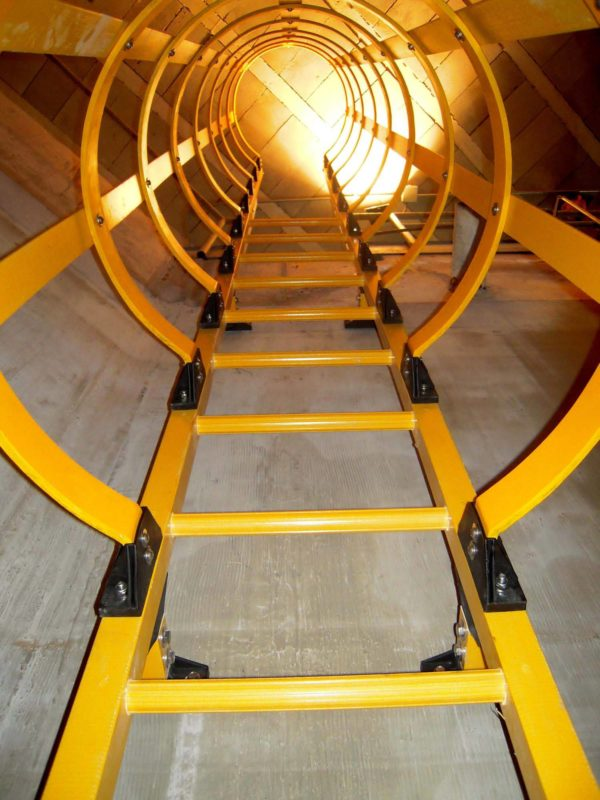 Escalera de gato fibra de vidrio