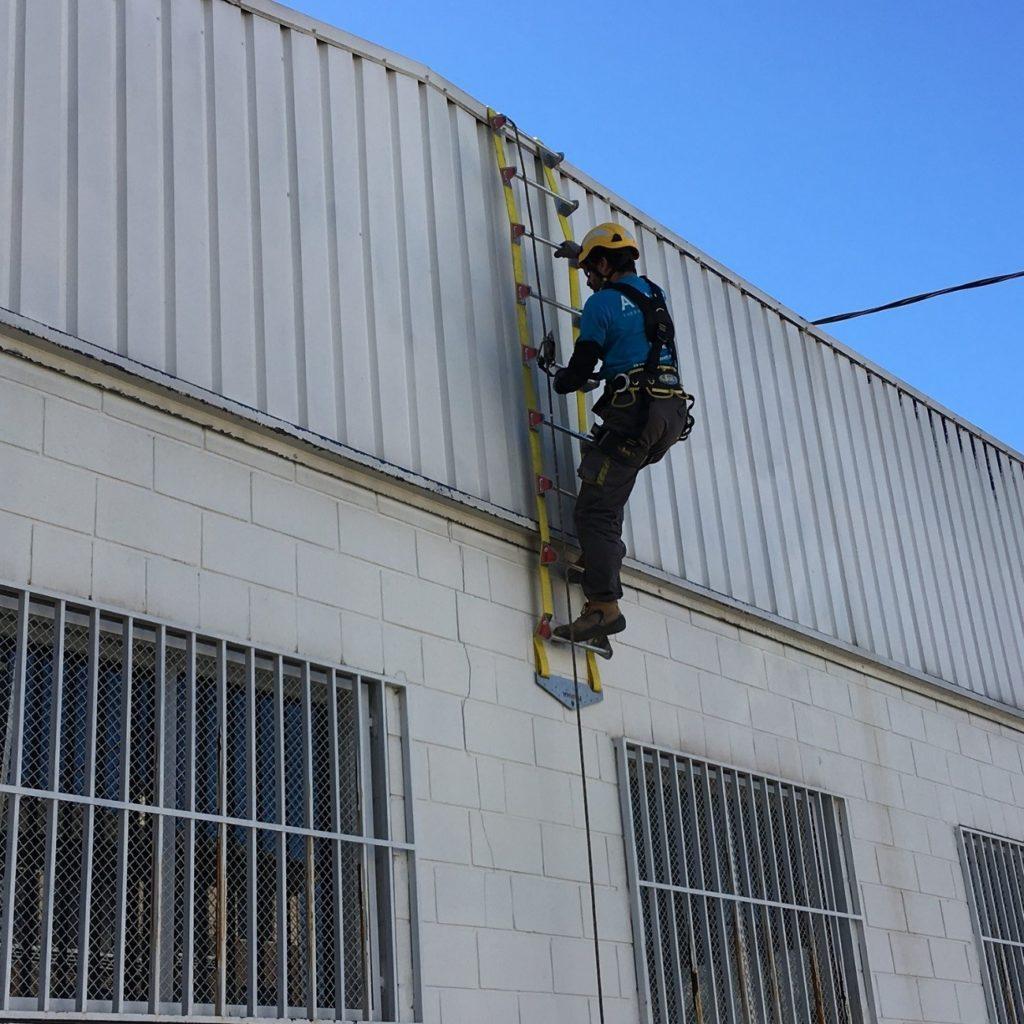 escalera flexible para trabajos en altura ALUFLEX
